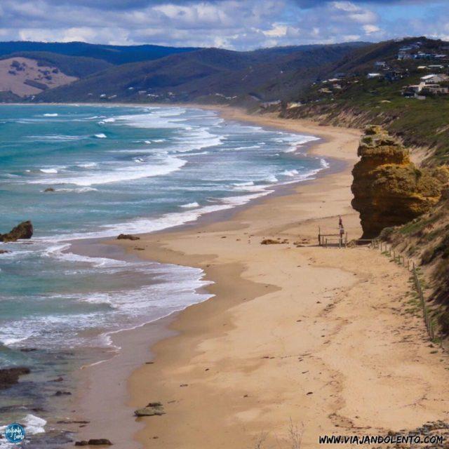 La GreatOceanRoad es un imperdible en Melbourne con sus paisajeshellip
