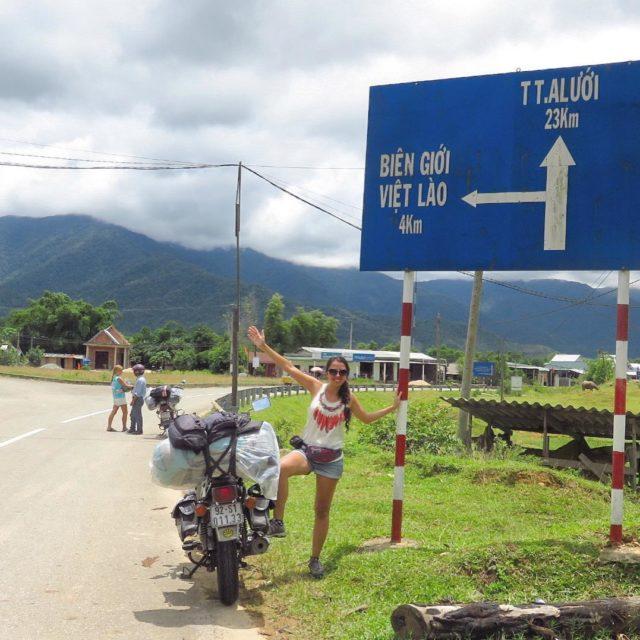 VIETNAM En la foto estbamos a 4kms de la fronterahellip